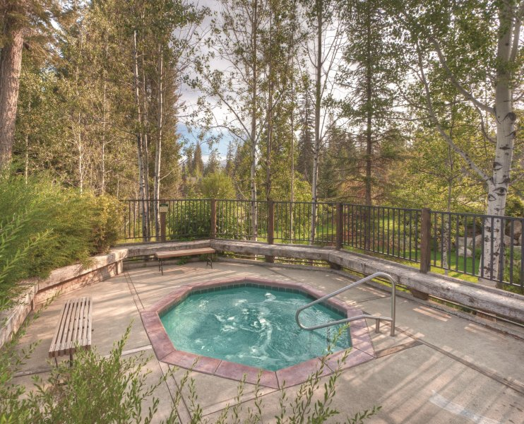WorldMark McCall hot tub