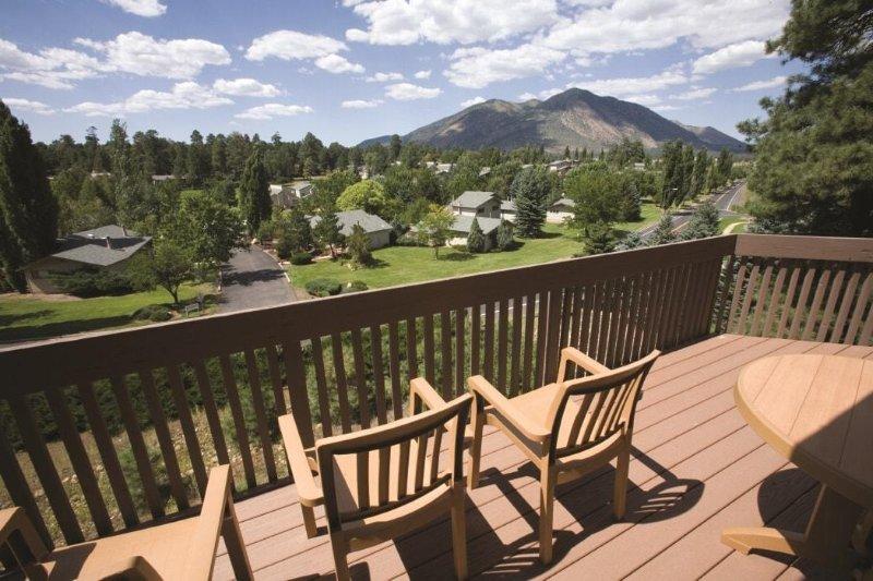 Flagstaff, AZ: 1 Bedroom: Top-Rated Resort Near Grand Canyon, Swim & Golf Onsite, vacation rental in Flagstaff
