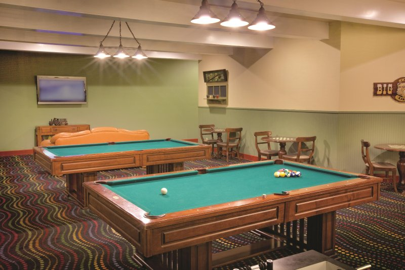 Wyndham Mountain Vista game room