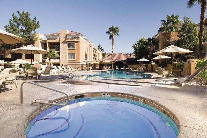 Desert Rose Resort hot tub