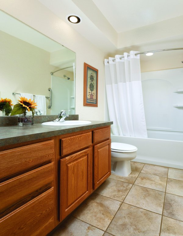 WorldMark Grand Lake bathroom