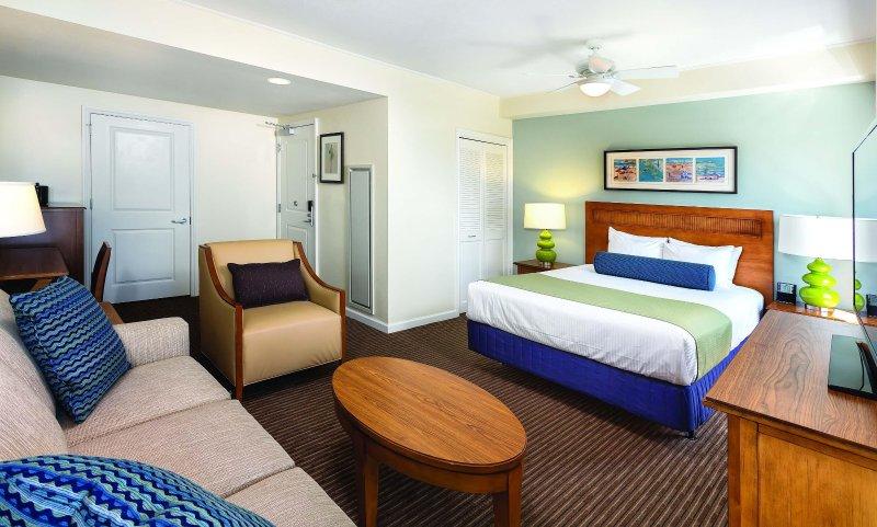 Wyndham Oceanside Pier Resort bedroom