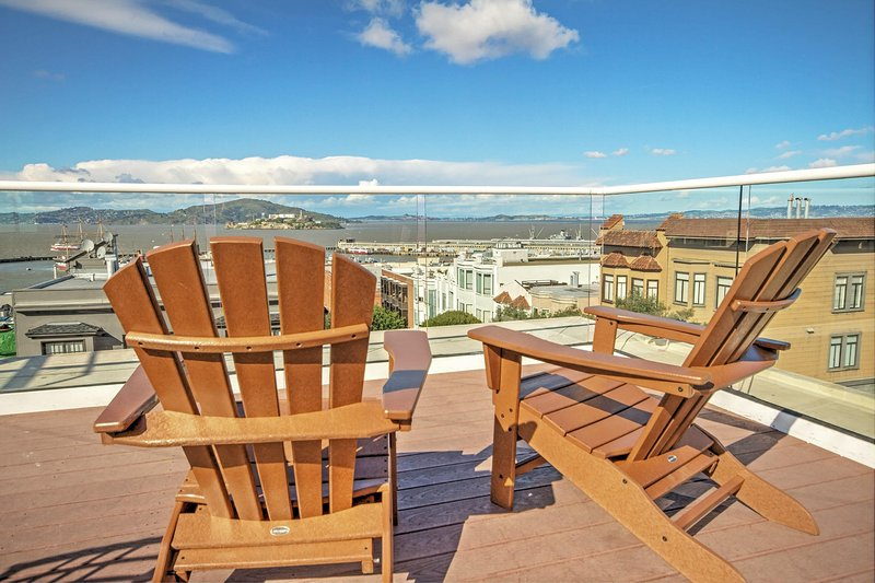 Suites at Fisherman's Wharf patio