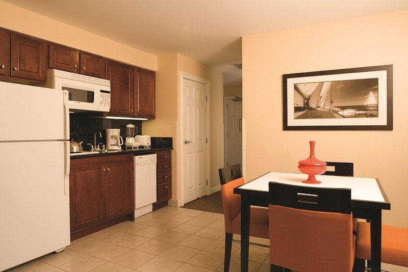 San Diego, CA: Studio Suite w/Sauna, WiFi, Downtown, Near City Attractions!, vacation rental in San Diego