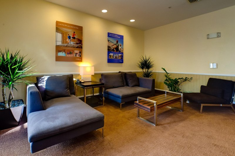 Wyndham Harbour Lights living room