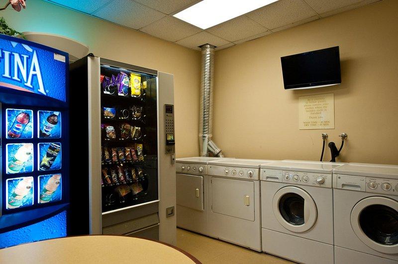 Wyndham Harbour Lights laundry room