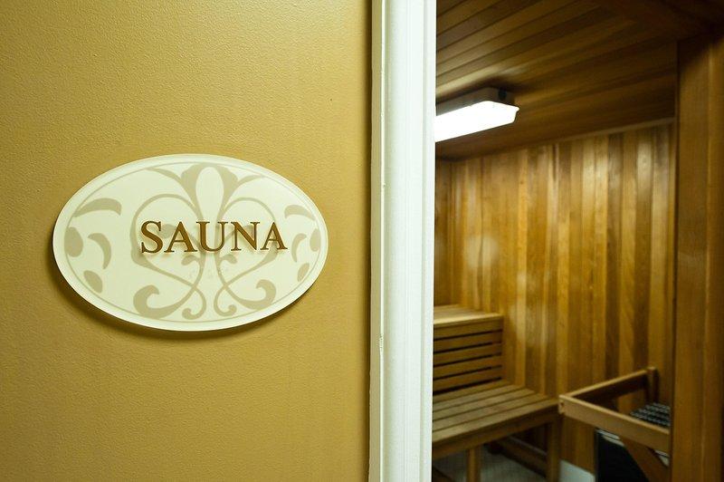 Wyndham Harbour Lights sauna