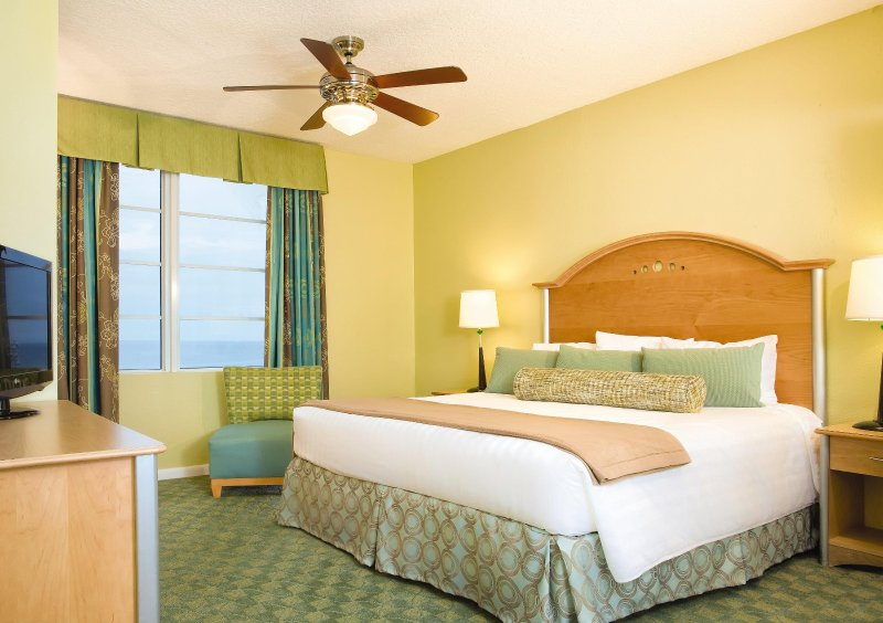 Wyndham Ocean Walk bedroom
