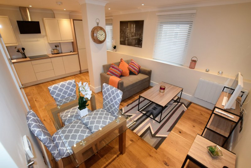 Silverwood Apartment - Central 2 bedroom Apartment, holiday rental in Filton