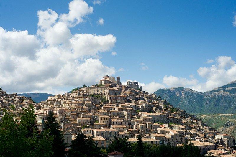 Le Village de Altomonte