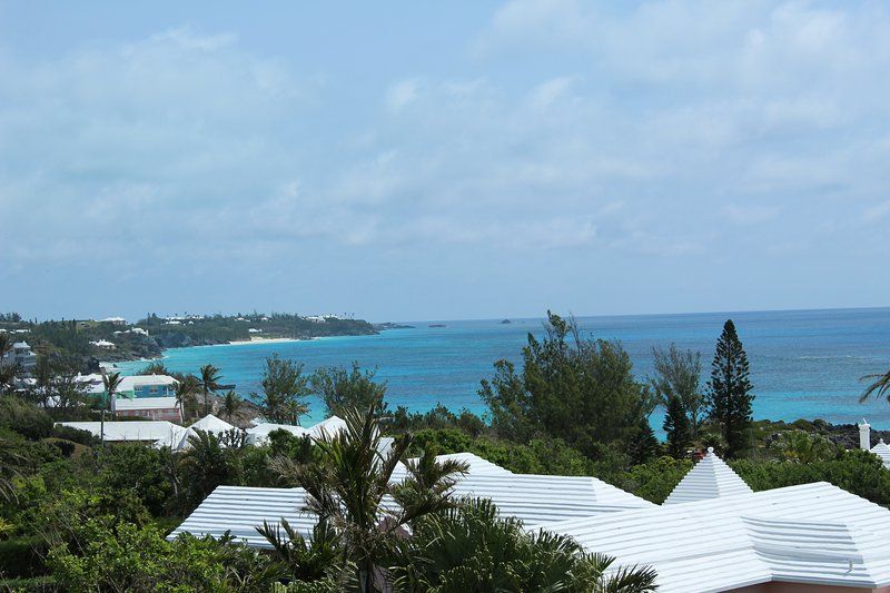 Be Pampered! ,Mod 2Bed/r,2Bath/r B&B Suite,Beach,Pool,Tennis+ Breakfast Plan, holiday rental in Hamilton Parish