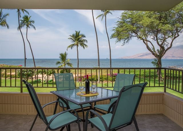 Koa Lagoon #206 Panoramic Ocean Views, 1BD/1BA, Sleeps 4. Great Rates!!, holiday rental in Kihei