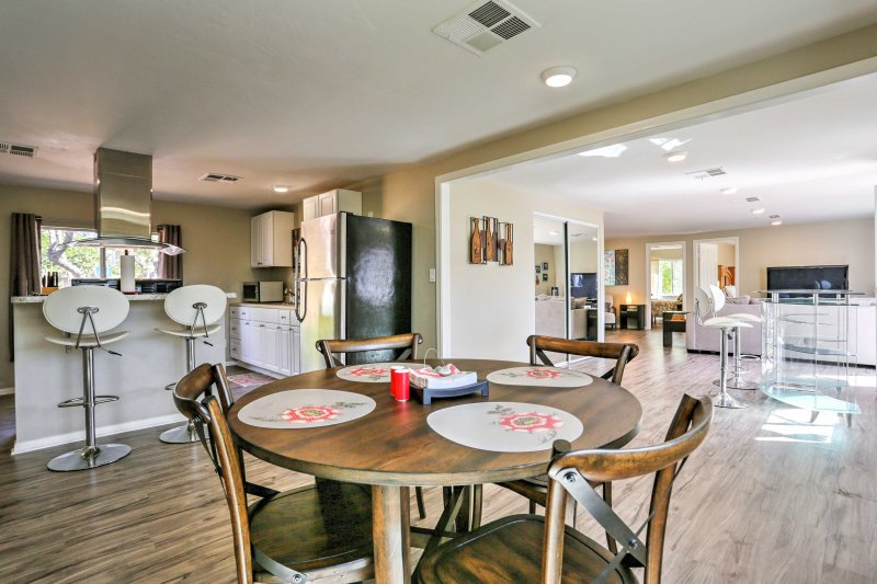 Recently remodeled, this home welcomes 4 lucky guests to explore San Diego in style.