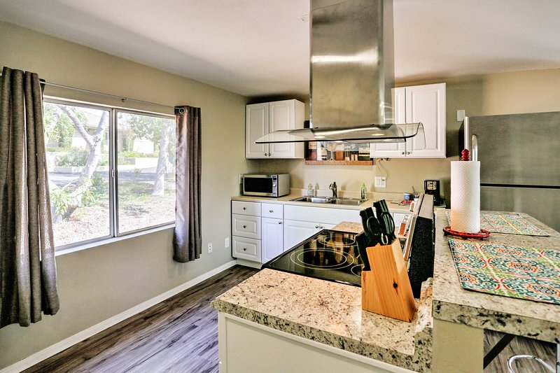Prepare a fresh feast for the whole family in this fully equipped kitchen.