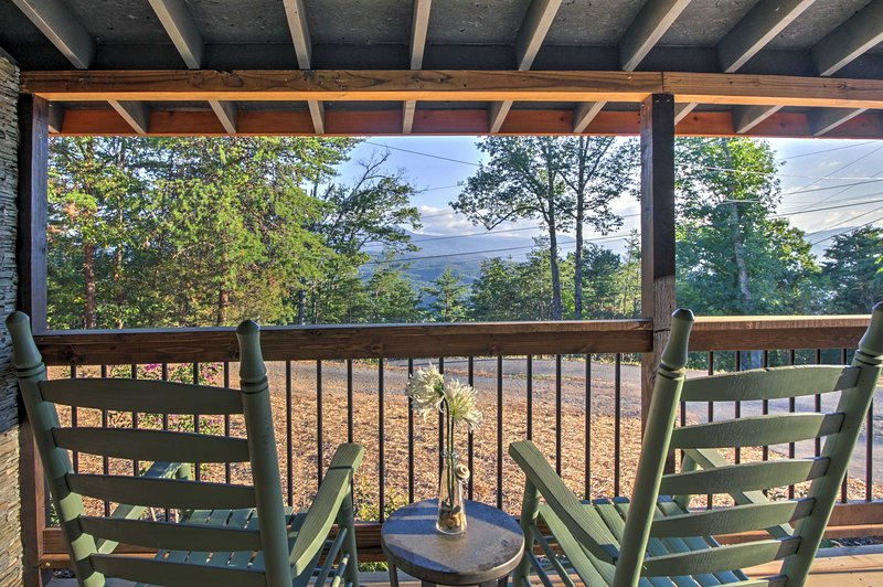 You'll love this Sevierville vacation rental cabin with panoramic views!