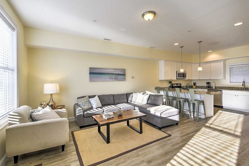 Spread out and relax in this Hampton vacation rental townhome.