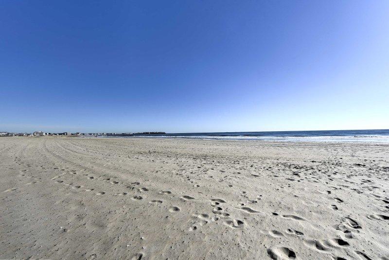 Your Hampton Beach vacation awaits!