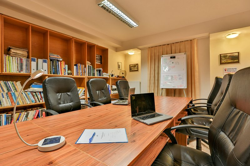 Abrir espacio de la esquina de reuniones, otra vista