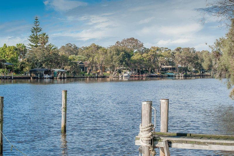 Paradise On The Murray River - Yunderup Wa, vacation rental in South Yunderup