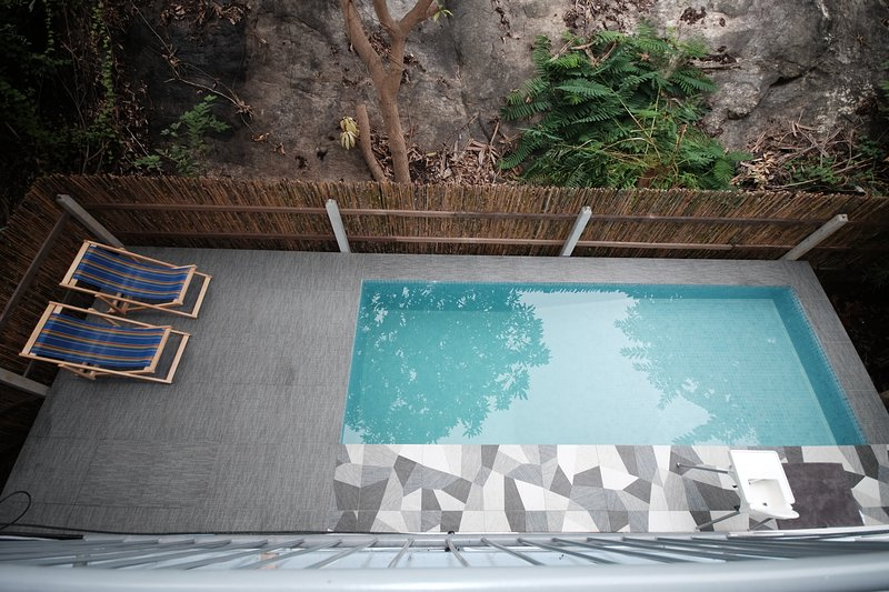 Hill Seite Pool / Sonnendeck