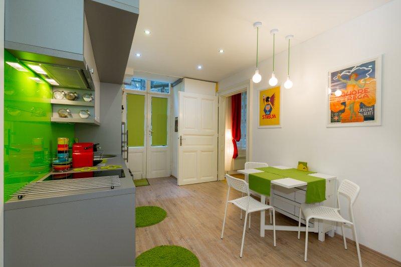 Budapest Aldebaran Apartment, alquiler vacacional en The Republic of Zubrowka