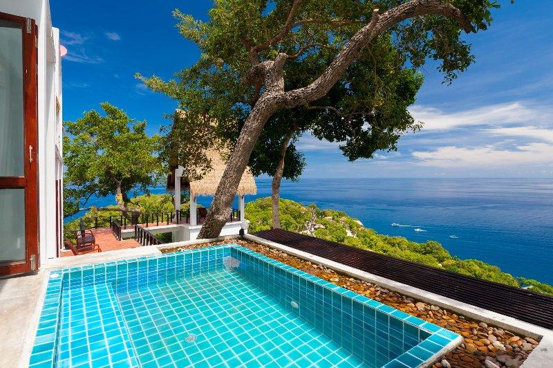 kleine Jacuzzi zwembad met een prachtig uitzicht