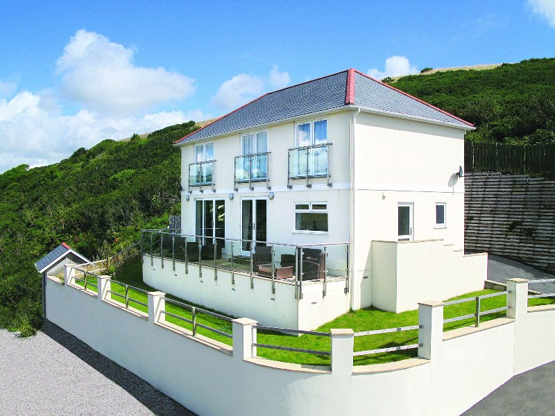 Looe Island View, holiday rental in Polbathic