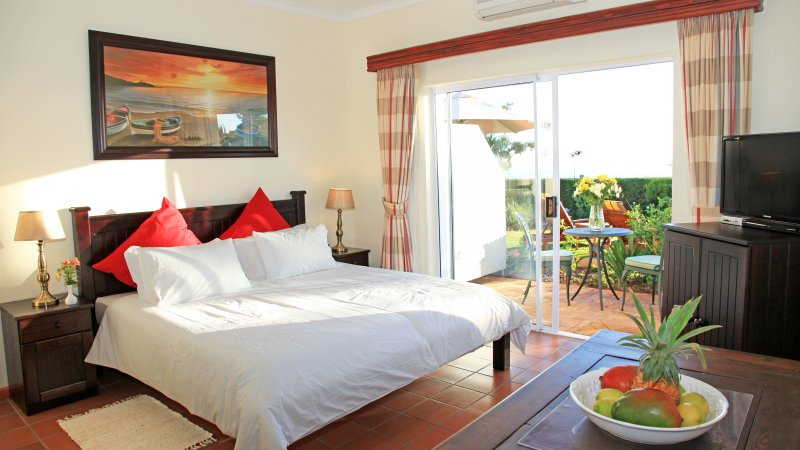 Somerset Sights B&B - Fynbos Suite, holiday rental in Somerset West