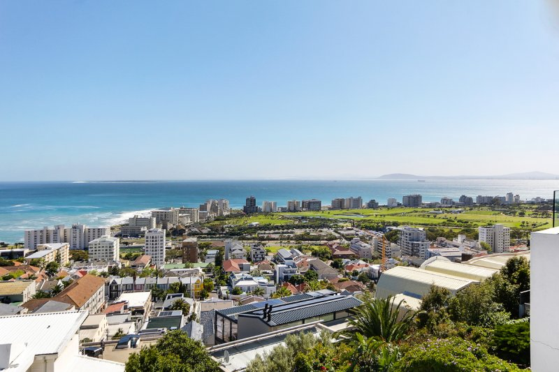 Springbok Townhouse - Greenpoint/Seapoint with spectacula views, holiday rental in Three Anchor Bay