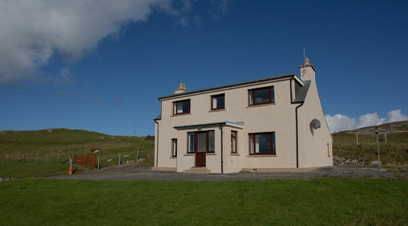 Corran Cottage, with a commanding position overlooking Luskentyre Bay