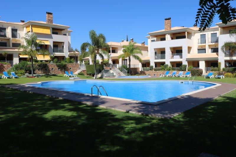 2 Bedroom Apartment M, vacation rental in Vilamoura