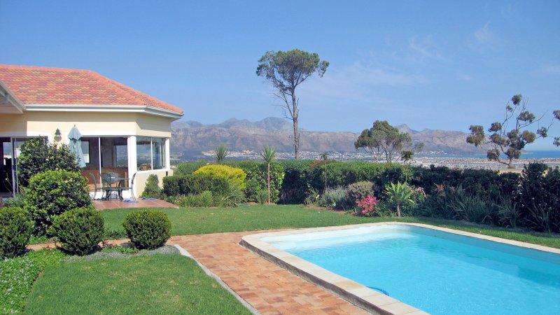 Pool, Sea and Mountain View