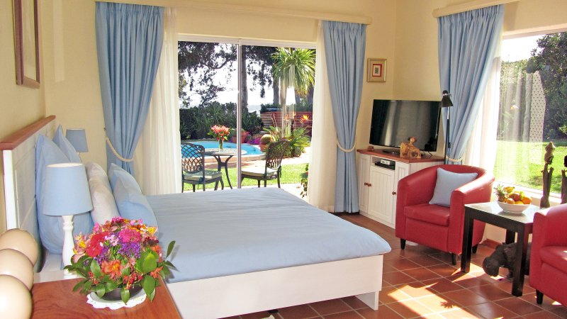 Somerset Sights B&B - Protea Suite, holiday rental in Somerset West