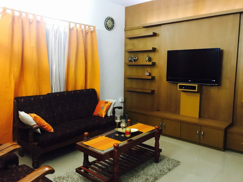 A modern holiday home away from home, location de vacances à Tripunithura
