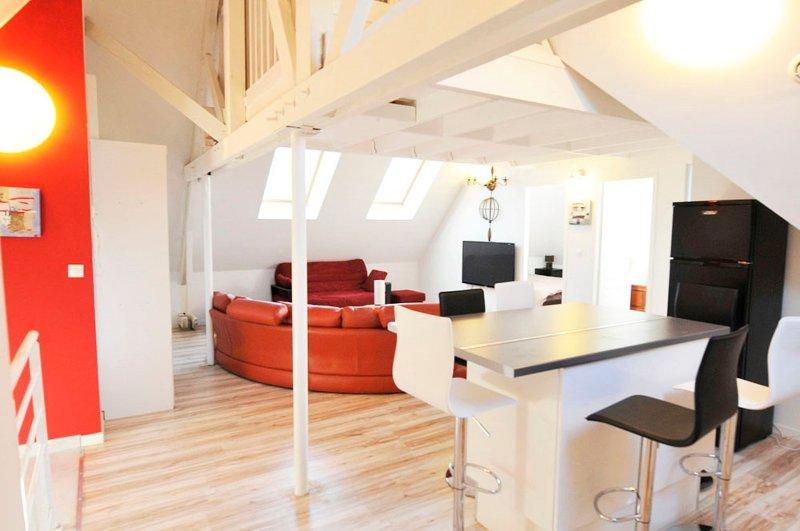 3 CREATIV APPART proche VERSAILLES 8P, vacation rental in Guyancourt