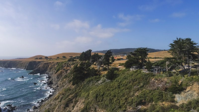 Sea Cloud and Shangri-La cottages on the Mendocino coast