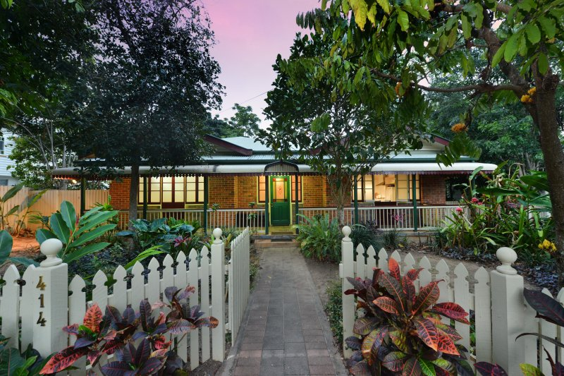 beautiful home away from home in Cairns - Close to reef terminal, city, esplanade, and many cafés!!