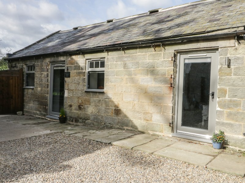 LOWDALE BARNS WEST, Smart TV, WIFI, stone-built, Ref 956466, Ferienwohnung in Briggswath