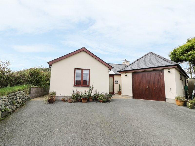 MANAROS COTTAGE, wheelchair-friendly, countryside views, Aberdaron, location de vacances à Aberdaron