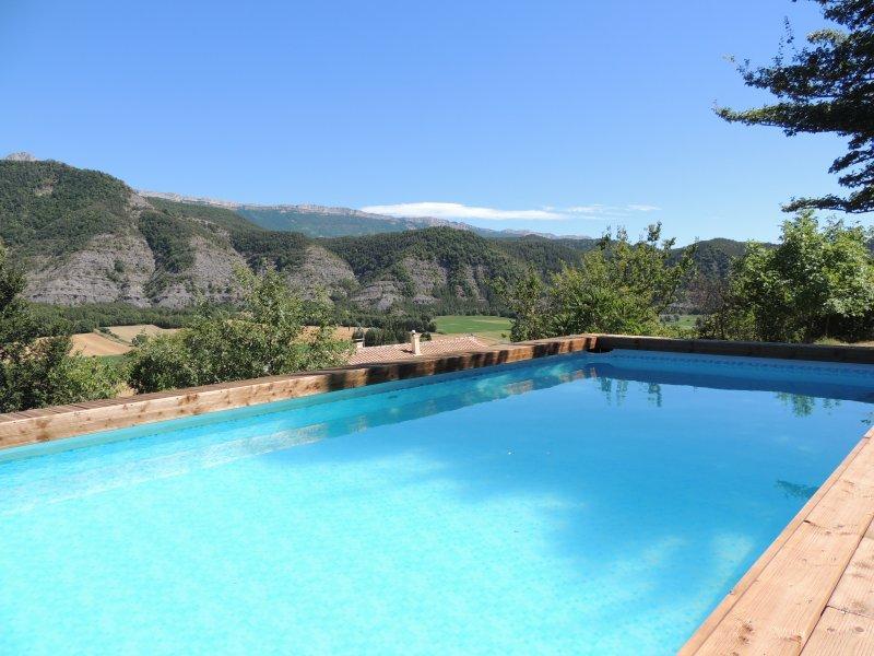 Gite L'hote-antique04 T2 Marcoux ( Digne les bains) vue panoramique, vacation rental in Digne-les-Bains