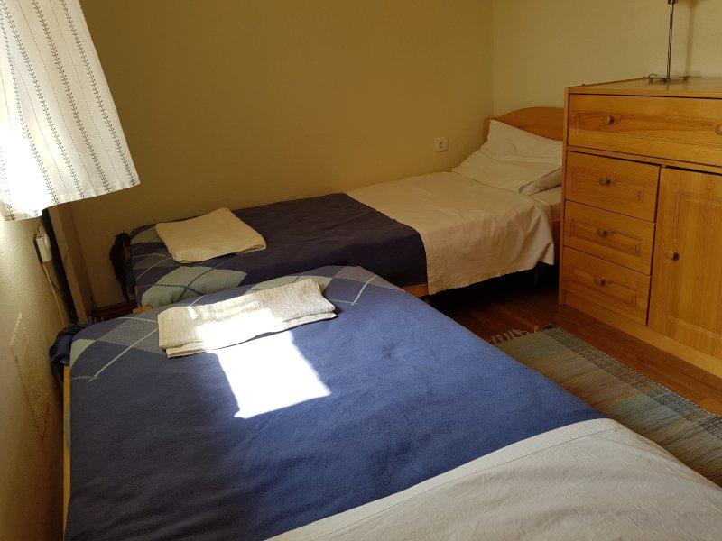 Moyen (confortable!) chambre double