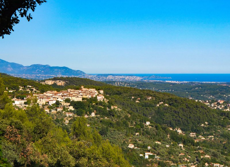 cabris, 2kms, and views to nice from property.