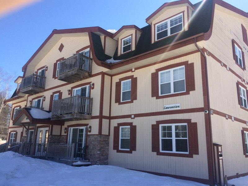 2 bedrooms condo for the christmas week in mont tremblant, vacation rental in La Conception