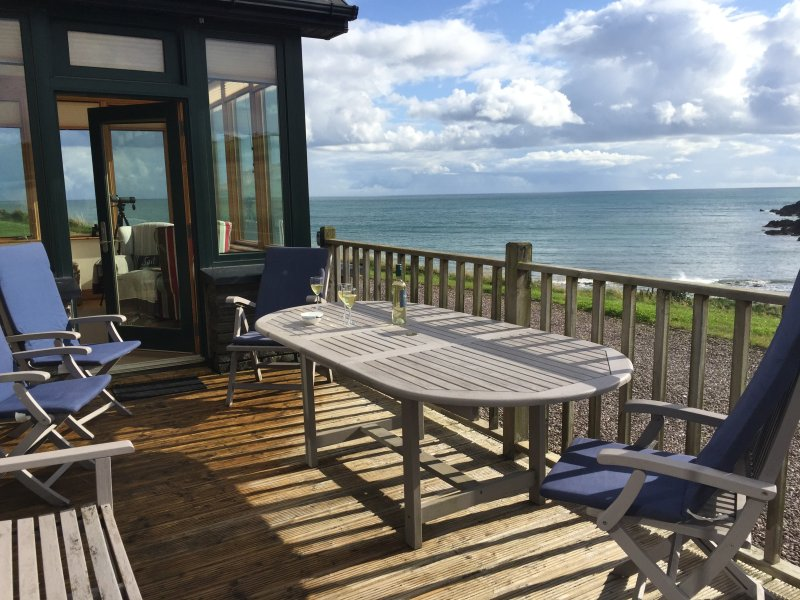 Ballycotton holiday cottage next to the beach., vacation rental in Shanagarry