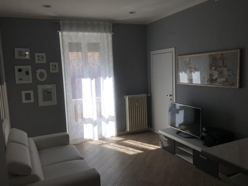 Casa Lalla Launge Appartament Netflix, Ferienwohnung in Turin