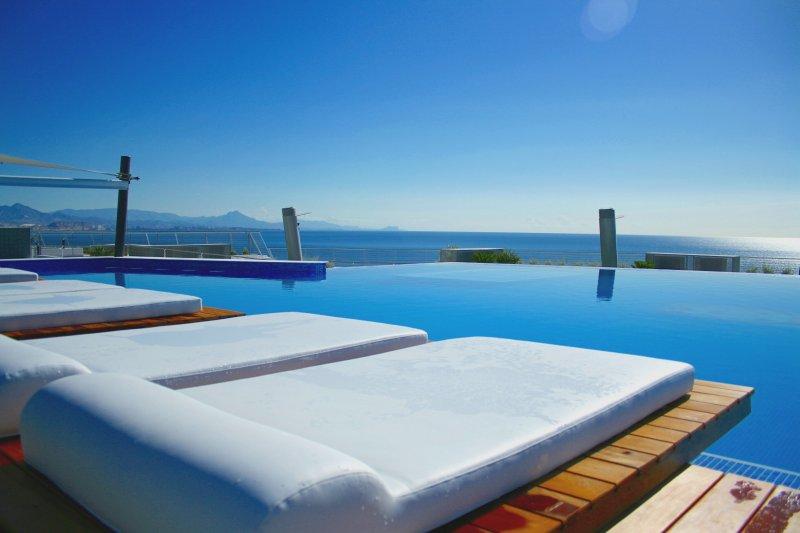 Appartement de luxe 5 étoiles accés direct a la plage, location de vacances à El Altet