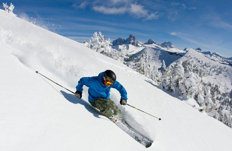 Slechts enkele minuten kunt u skiën in het Grand Targhee, waar de lijnen kort zijn en het poeder is geweldig!