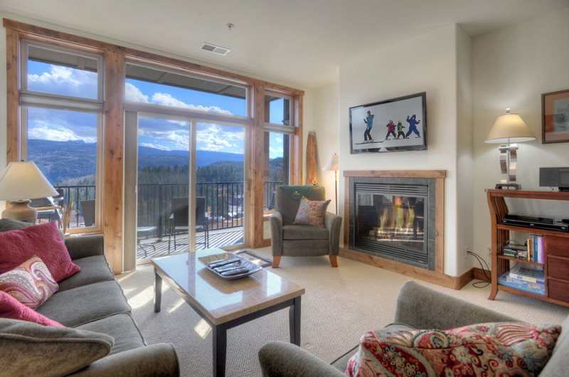 Mountain View Luxury Condo, vacation rental in Durango