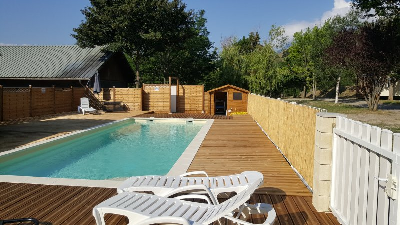 Mobil-home 4/6 couchages, holiday rental in Chateauroux-les-Alpes