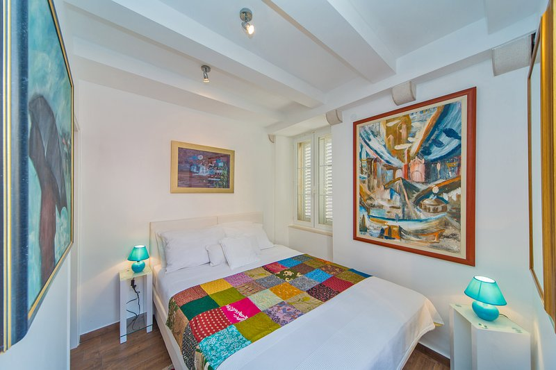 Stone house in Old town Dubrovnik for rent